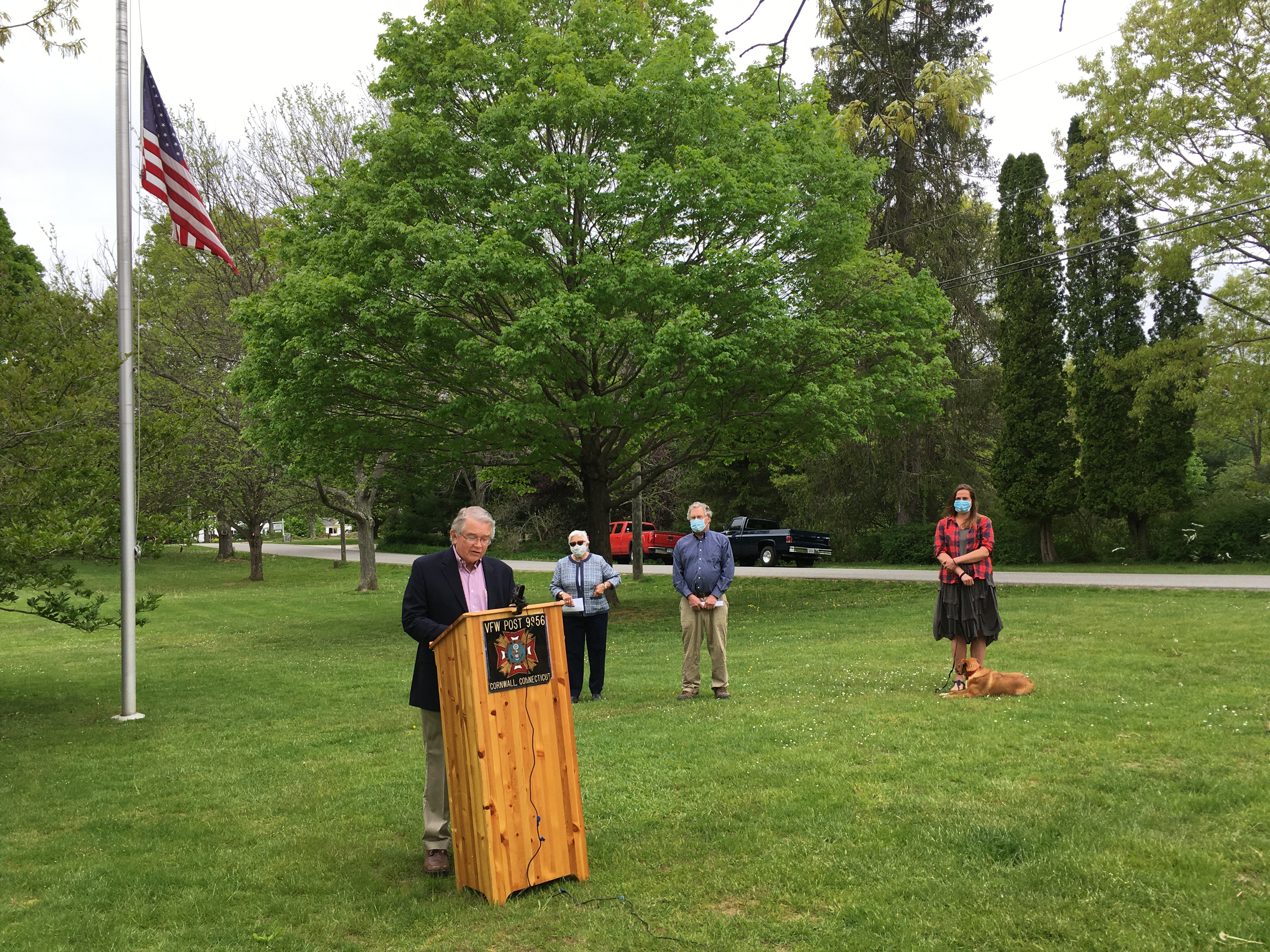 <strong>Bill Berry spoke at a Memorial Day ceremony held on the Green across from Town Hall in Cornwall.<em>Photo by Cynthia Hochswender</em></strong>