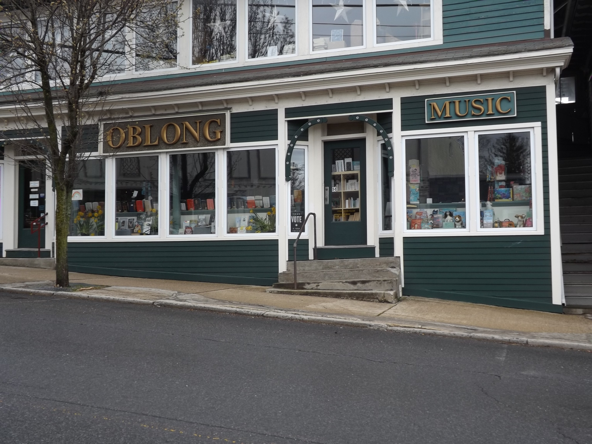<strong>Located at 26 Main St. in Millerton, Oblong Books &amp; Music's entry is welcoming and has become an iconic destination over the past decades. <em>Photo by Kaitlin Lyle</em></strong>